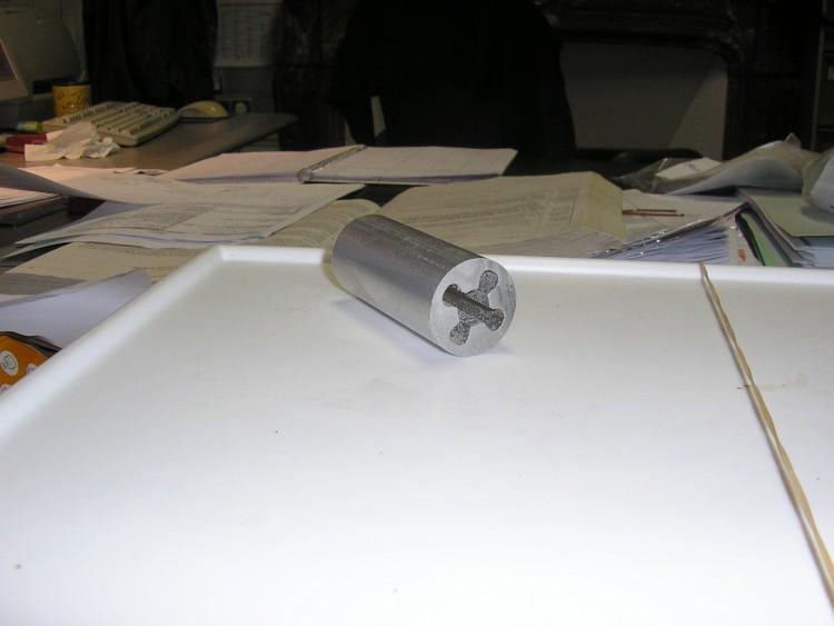 MÉTAUX COMMUNS ET OUVRAGES EN CES MÉTAUX > ALUMINIUM ET OUVRAGES EN ALUMINIUM > Barres et profilés en aluminium > en alliages d'aluminium
