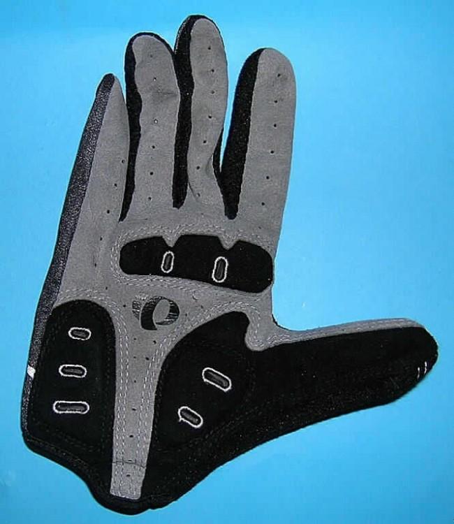 SPINNSTOFFE UND WAREN DARAUS > KLEIDUNG UND BEKLEIDUNGSZUBEHÖR, AUSGENOMMEN AUS GEWIRKEN ODER GESTRICKEN > Fingerhandschuhe,
