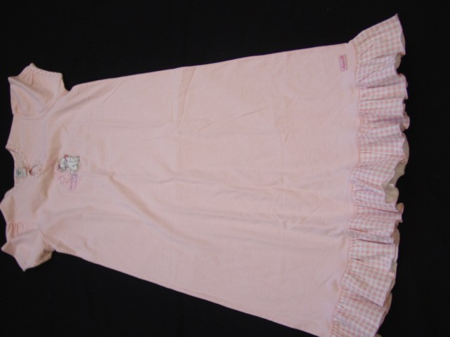 TEXTILES AND TEXTILE ARTICLES > ARTICLES OF APPAREL AND CLOTHING ACCESSORIES, KNITTED OR CROCHETED > Women's or girls' suits,