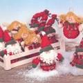 Weihnachtsfestartikel aus anderen Stoffen als aus Glas, sog. Niko/Snowman/Engel aus Plüsch, Art. Nr. 6331.  Es handelt sich um 12 zwischen 10 und 18 cm große Anhänger aus - mit weichem Material...