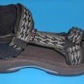 Freizeitschuhe, Sandalen (lt. Antrag Trekking Sandalen, Art.-Nr. 7220467), siehe Foto,  - mit Laufsohlen aus Kunststoff,  - mit Oberteil aus Kunststoff (Spinnstoff mit einer mit bloßem Auge...