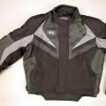 """Anorakähnliches Kleidungsstück für Männer, sog. Jacke """"Radius"""", Größe L, siehe Foto - aus verschiedenen, 0,4 mm und 0,5 mm dicken, einfarbigen Geweben aus lt. Antrag   100 % synthetische..."""