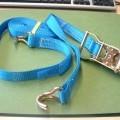 Geconfectioneerde artikelen, zijnde een set geweven spanbanden (100% polyester), gereed voor de verkoop in het klein. De set bestaat uit twee banden met de volgende kenmerken : -een spanband...
