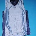 Zweiteilige Zusammenstellung, bestehend aus pulloverähnlichem Kleidungsstück und kurzer  Hose, sog. reversible Basketballtrikotkombination K 300, in Größe XL, siehe Fotos, - gemeinsam für...
