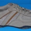Trainingsschuhähnliche Schuhe, Art.-Nr. 2-22-11-1296-6, siehe Foto,  - mit Laufsohlen aus Kunststoff (lt. Antrag),  - mit Oberteil (geschlossenes Blatt) aus Leder (den größten Teil der Außenfläche...