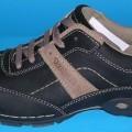 Trainingsschuhähnliche Schuhe, Art.-Nr. 2-24-11-0476-0, siehe Foto,  - mit Laufsohlen aus Kunststoff (lt. Antrag),  - mit Oberteil (geschlossenes Blatt) aus Leder,  - auf das Oberteil sind Stücke...