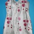 Kleid, sog. Damen Sleepshirt, in Erwachsenengröße, siehe beigefügtes Foto, - aus 0,2 mm dicken, bedruckten (Alloverdruck, großflächiges Rosenmotiv), glänzenden    Satingeweben aus lt. Antrag...