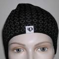 """Mütze (lt. Antrag: """"Multisport-Mütze, 9137 Traverse Hat""""), siehe Foto,  - durch Zusammennähen von Spinnstoffgewirken (lt. Antrag 100% Acryl) der Kopfform ange-    passt hergestellt,..."""