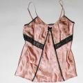 Zweiteilige Zusammenstellung, bestehend aus einer Bluse für Frauen und einer langen Hose, sog. Schlafanzug, Artikel: 09 543/0, Größe 36/38, siehe beigefügte Fotos, - in Aufmachung für den...