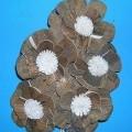 """Künstliche Blume (lt. Antrag: """"Deko Blumen, 5er-Set, aus Stroh"""", siehe Foto) - stilisierte Nachbildung einer Blume mit fünf Blüten (Länge  ca. 30 cm), - durch Ineinanderstecken..."""