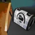 iš tekstilės medžiagos; krepšiai; su rankena; gyvūnams