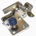 Sog. Falle - aus einer Baugruppe mit formspezifischen, mittels Montageschrauben und Feder-    mechanismus miteinander verbundenen Platten (Abbildung siehe Anlage), - zur Arretierung einer beweglich...