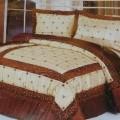 narzuty na łóżko; wypełniony; z syntetycz.  mater. tekstylnych;…
