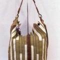 z textilního materiálu; s kapsou; kabelky (dámské); se zapínáním…