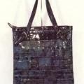 s kapsou; kabelky (dámské); se zapínáním na zip; z plastu; fólie;…