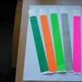 neaustinės medžiagos; popierius; juostelės; spaudos ženklai