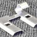 Es handelt sich um ein ca. 15 mm langes Metallerzeugnis, das als Kontaktbrücke (Artikel-Nr.: 30823432) für eine LED-Leuchttafel verwendet wird. Die in einem Kunststoffbeutel verpackte Ware...