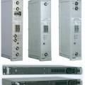 Rundfunksender/-empfänger - aus zwei FM-Tunern mit Demodulatoren, RDS-Codern und FM-Modulatoren mit Ausgangs-    umsetzer in einem Einbaugehäuse mit HF-Anschlüssen, - zum Empfangen von frequenzmodulierten...