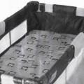 Ware zur Innenausstattung, sog. Reisebetteinhang, Art. Nr. 912904, Foto siehe Anlage, - zerlegt in einem Karton verpackt, - in rechteckiger Form (Maße: L 120 cm x B 60 cm x H 26 cm), - flächenmäßig...