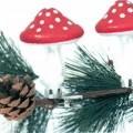 Glasware zur Innenausstattung, sog. Christbaumschmuck Pilz, Abbildung siehe Anlage,  - aus verschiedenen Stoffen zusammengesetzte Ware in Form einer stilisierten Nachbildung    eines Fliegenpilzes,...