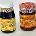 Würzsauce Chili  Kleines Original-Konservenglas mit weißem Schraubdeckel, umlaufend gelb etikettiert mit rotem und braunem  Aufdruck, der Angaben zur Warenbezeichnung, Füllmenge (100 g), Zutatenliste,...