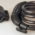 Es handelt sich um Erzeugnisse, im Wesentlichen bestehend aus einem etwa 120 cm langen Seil aus unedlem Metall (charakterbestimmend) mit Kunststoffummantelung, dessen Enden mit einer Schließvorrichtung...