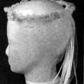 Andere konfektionierte Ware, sog. Hochzeitshaarreif aus Papier und Polyester, Art. 36271/00, Foto siehe Anlage, - in Art eines Haarkranzes gearbeitet,  - bestehend aus: -- einem geschlossenen,...