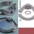 de hierro; de hierro colado o moldeado; maleable