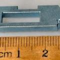 Es handelt sich um annähernd rechteckige Flacherzeugnisse aus gesintertem Stahl, die im mittleren Bereich eine großflächige, rechteckige Aussparung aufweisen. Eine Schmalseite der Erzeugnisse...