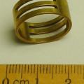 Es handelt sich um etwa 8 mm hohe, ringförmige Erzeugnisse (Durchmesser: etwa 19 mm) aus einer Kupferlegierung mit gewichtsmäßig vorherrschendem Kupfergehalt (Messing). Die Erzeugnisse sind...
