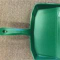 plastik; redskaber til husholdningsbrug; håndværktøj; skovle