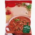 tomat; livsmedelsberedning; pastaprodukt; vitlök; lök; saltad; kryddad; i detaljhandelsförpackning; ärta; stärkelse; paprika; rapsolja; inte kokt; arom