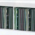 Bei der Ware handelt es sich gemäß Antragsangaben um ein ca. 705 x 355 x 340 mm großes Möbel aus Holz, im Wesentlichen bestehend aus einem viereckigen, länglichen Korpus in Form einer vorne...