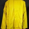 Anorakähnliches Kleidungsstück, sog. Flexi-Stretch-Jacke gelb, Art. 7765450, Größe M, Foto siehe Anlage, - in einem Polybeutel verpackt, - aus ca. 0,5 mm dicken, einfarbigen, einseitig (Außenseite)...