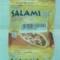 Weizengebäck mit Salami-Pizzafüllung  Antragsangaben: Weizengebäck mit Salami (15 %), Pizza Soße (25 %) und Gouda-Mozzarellamischung (10 %)  Beschreibung des vorgelegten Warenmusters: Kuppelförmiges...