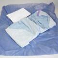 aus spinnstoff; warenzusammenstellung; aus chemiefaser; in aufmach. für den einzelverkauf; aus papier; arbeitskleidung; handtuch; operationsmantel