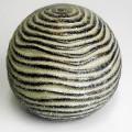 für die dekoration; aus keramik; hohl; zierartikel; mit loch;…