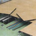 """""""Doppelbodensystem Ligna"""" (Abbildung s. Anlage) - aus aneinandergelegten, rechteckigen Holzspanplatten (600 x 600 mm, Dicke bis zu ca. 40 mm),    auf der Unterseite mit Stahlblech oder..."""