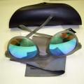de plástico; gafas; estuche para gafas; gafas protectoras; pano de limpieza