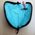av textilmaterial; med dragkedja; väska; rektangulär; enfärgad;…