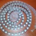 w kształcie rury; w obudowie; kondensatory