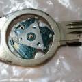 z obecných kovů; zámky; klíče; elektronika