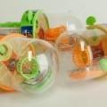 aus kunststoff; für kinder; spielzeug; kombination; korb; ball