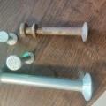 in cilindervorm; van staal; gesmeed; voor beton; ankers